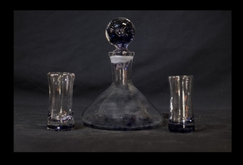 Tequila Decanter with 2 shot glasses with Purple spot design.
