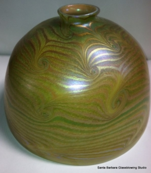 """Green luster 7"""" Dome Shade with gold King Tut Design."""