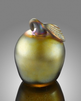 Gold Luster Apple. Hand-Blown by Saul Alcaraz
