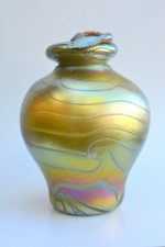 Gold Luster Urn with Clear King Tut Design